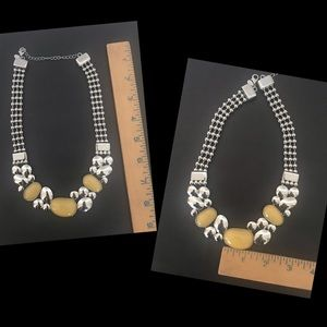 Jewelry - Chunky Silver and Off-White/Yellow Necklace